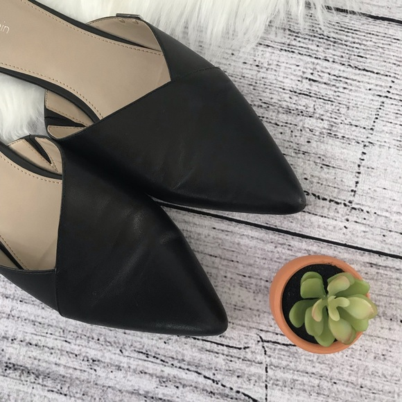 Calvin Klein Shoes - CALVIN KLEIN Garnett Black Flat Leather Mules00506